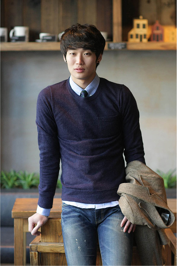 Blue Sweater Mature Fashion Guide For Baby Faced Men