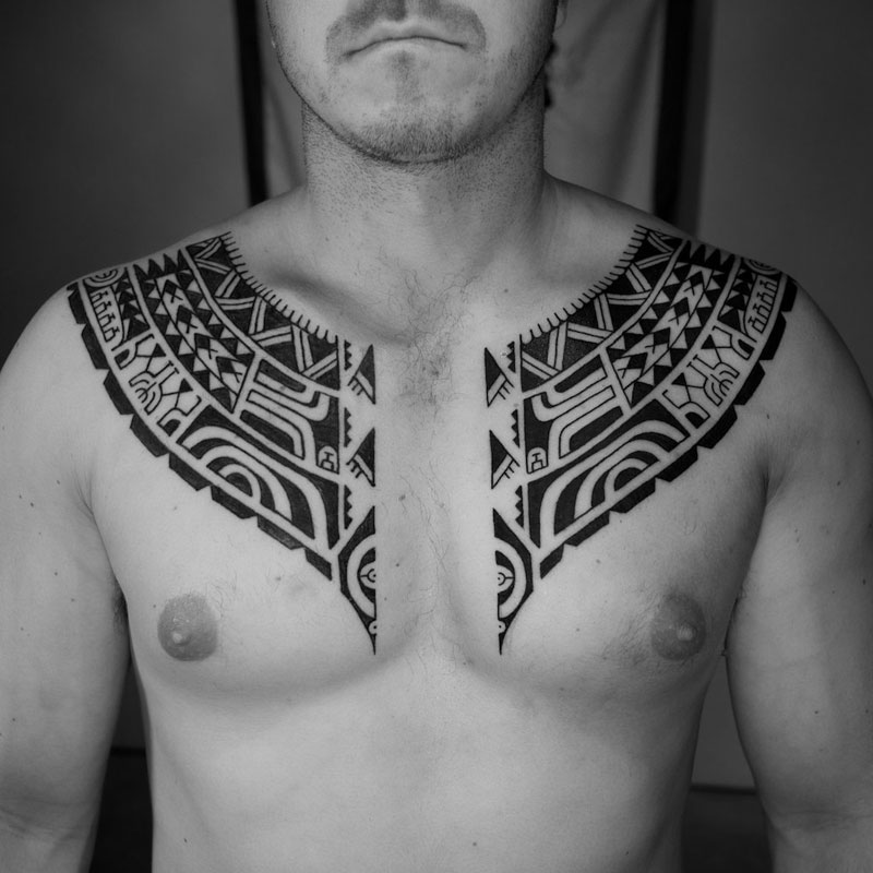 Chest tattoo 53 stylish ideas hommes malaysia 39 s men 39 s for Polynesian chest tattoo